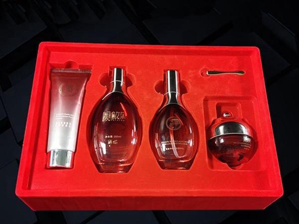 化妆品礼盒吸塑包装